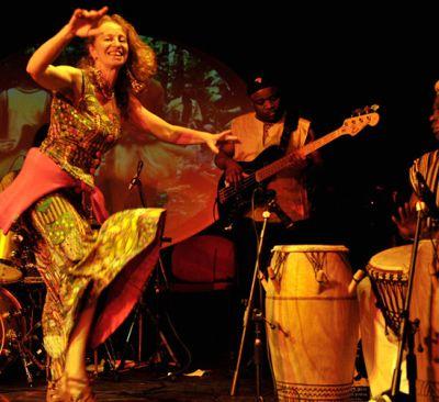 suhart_performing